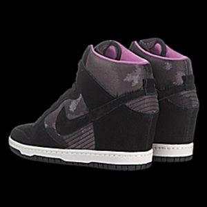 Nike Dunk Sky Hi Size 6.5/7 Black Print
